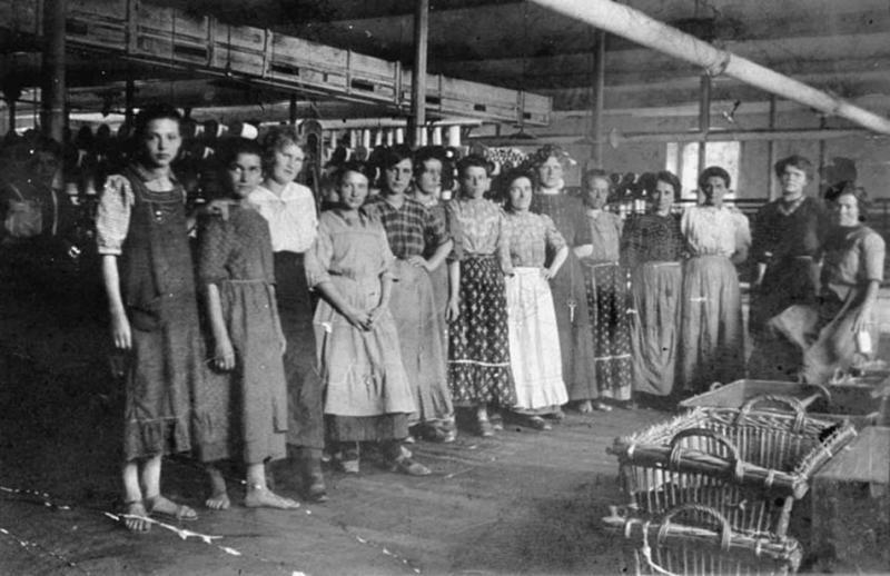 Working women in the 1920ties. Copyright: Stadtarchiv Dornbirn